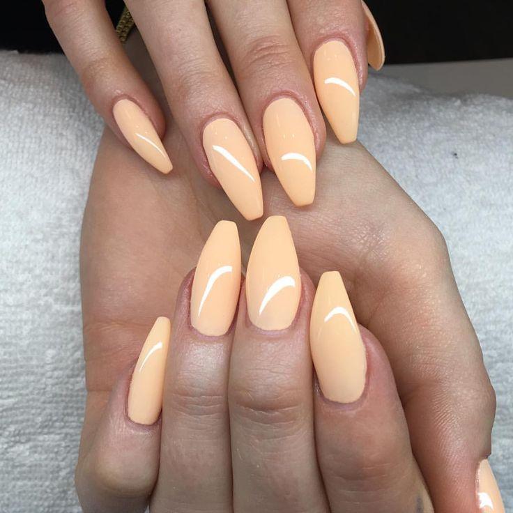 """31 gilla-markeringar, 1 kommentarer - NN Nails (@nn_nails_salong) på Instagram: """"Nya färg för vår / sommar #beautifulnails #nailswag #nails #gelnails #gele #gelsnails #gelenaglar…"""""""