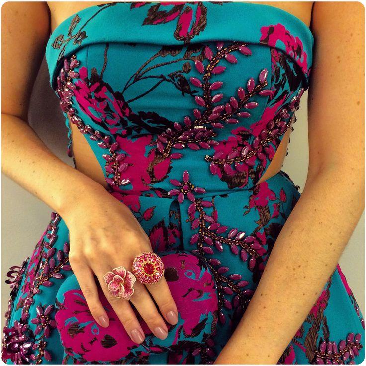 Detalhe do lindo vestido bordade de Patrícia Bonaldi usado por Julia Faria.