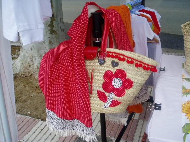 toalla  y canasta para la playa