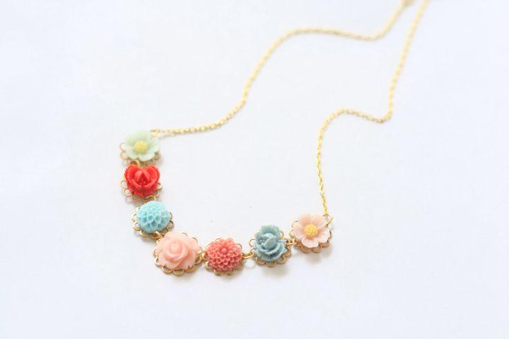 Flower Girl Necklace, Resin Flower Necklace, Flower Cabochon Necklace, Flowergirl Jewelry, Girls Wedding Jewelry, Junior Bridesmaid by SweetAuburnStudioKid on Etsy https://www.etsy.com/listing/209261593/flower-girl-necklace-resin-flower