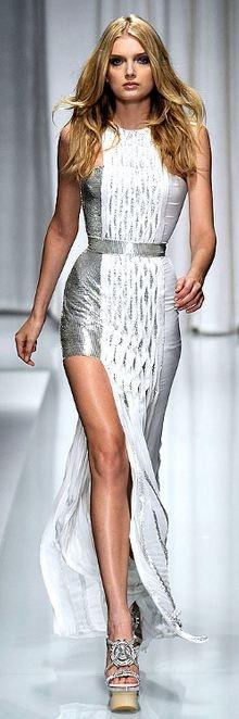 Lily Donaldson - Versace 2010