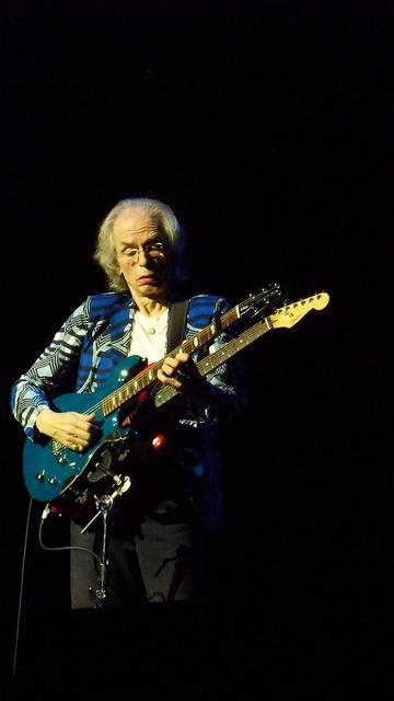 Steve Howe of Yes, 2012