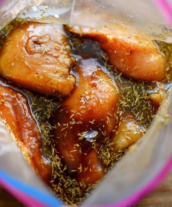 C'est la meilleure marinade pour le poulet! Succès garanti, tout le monde voudra votre recette! - Cuisine - Trucs et Bricolages