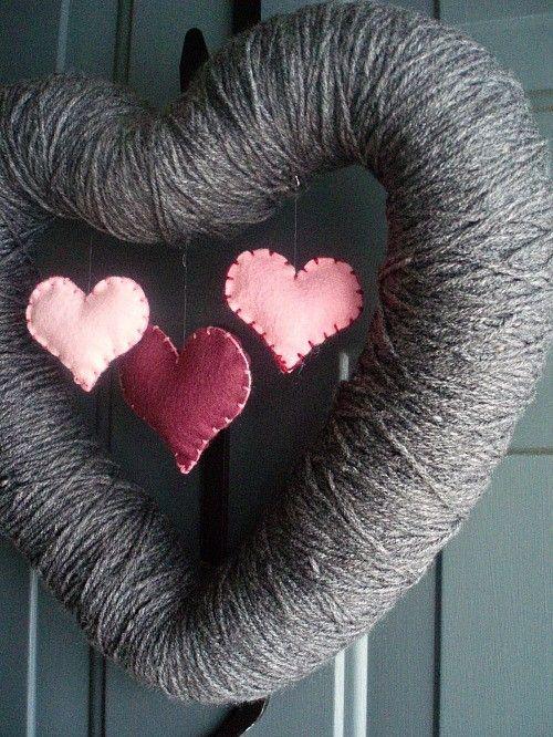 3 hearts hanging wreath