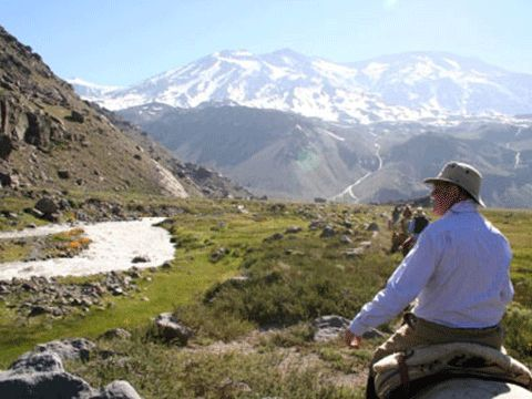 Valle Engorda: High valley Ride - This is a more gentle day's riding, with nothing very steep or difficult, although the river is crossed twice on horseback. http://horseridingchile.com/blog/rides/valle-engorda-horse-ride