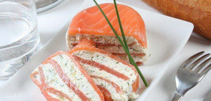 Panna-cotta de Fromage de chèvre frais en millefeuille de saumon