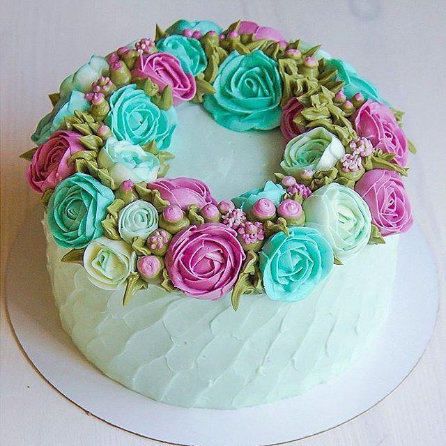 """Торт """"цветочный венок"""". Начинка """"яблочный штрудель"""", в составе ванильный…"""