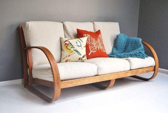 Canapé en bois cintré au milieu du siècle par par thewhitepepper