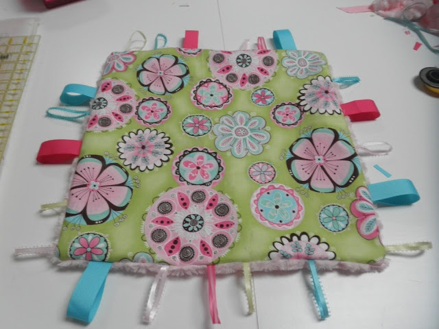 """Great taggie blanket tutorial. Need to make this for Connor....  Thanks, """"Sew Divertimento"""""""