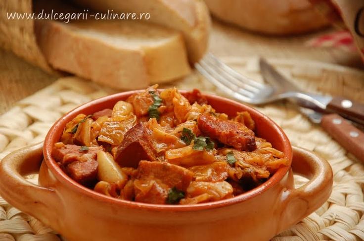 Baked cabbage with bacon (varza la cuptor cu slanina)