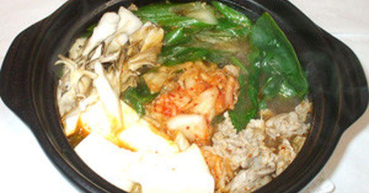話題のレシピになりました!素なしキムチ鍋♪簡単キムチ鍋・手作りキムチの素!豚肉・ねぎ・キムチ・豆腐・ほうれん草の鍋