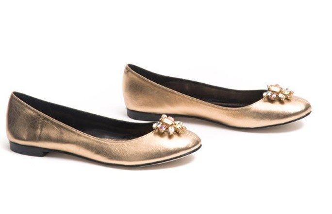 Ballerinas in Gold - Paule Ka - Ballerinas - festliche Schuhe für Weihnachten - Goldene Lederballerinas mit Ziersteinen Paule ka: ca. 290 € www.pauleka.com
