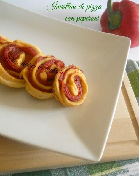 Involtini di pizza ripieni di peperoni