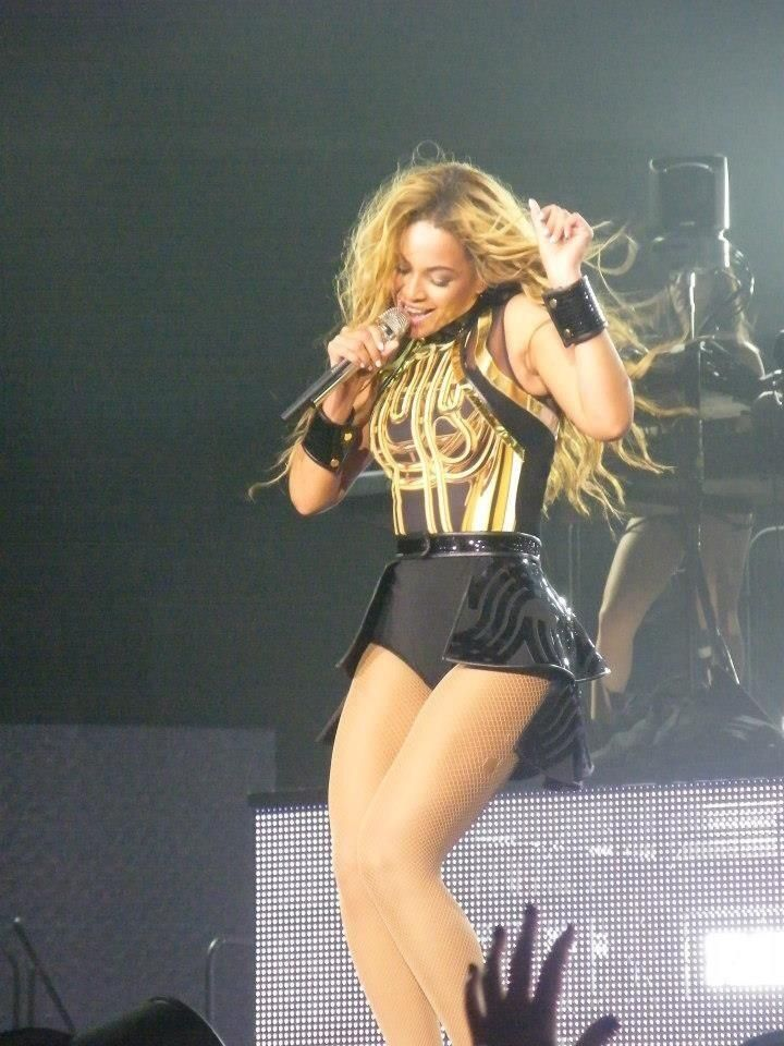Is Mrs Carter pregnant?