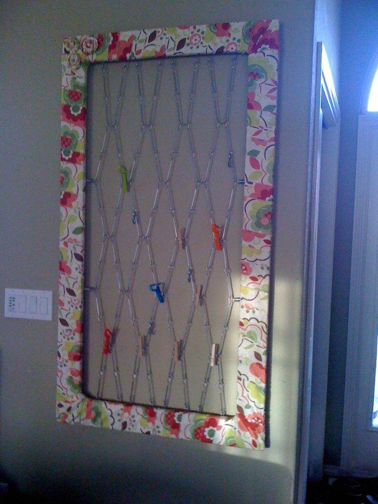 Repurpose Crib | Repurpose crib spring. Instructions are here: ... | Art Display Ide…
