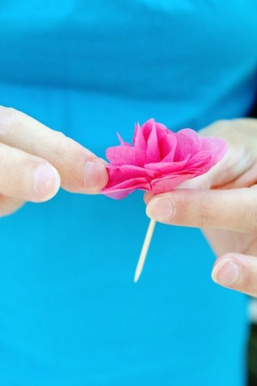 Think Crafts Blog – Craft Ideas and Projects – CreateForLess » Blog Archive » DIY Tissue Paper Flower Cupcake Picks