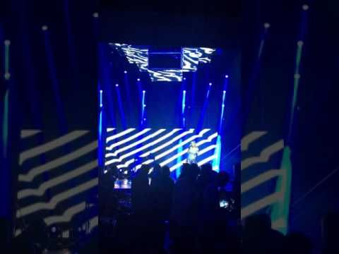 #Box #club #athens κάθε Παρασκευή και Σάββατο με #Μέλισσες, Otherview, Josephine, Dj Young & Tay! ( Πειραιώς 130, ex W Club ) Τηλέφωνο Επικοινωνίας / Κρατήσεις: 211 850 3680 Website: http://www.goout.gr/ Box Club Athens: http://www.goout.gr/club/box-club-athens Facebook: https://www.facebook.com/GoOut.grPage/ Twitter: https://twitter.com/GoOut_Official Instagram: https://www.instagram.com/goout.gr/