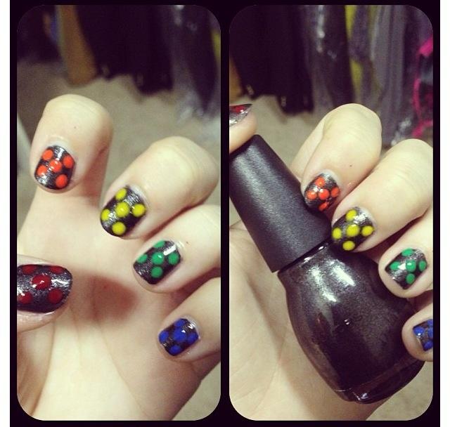 Polka-dot nails