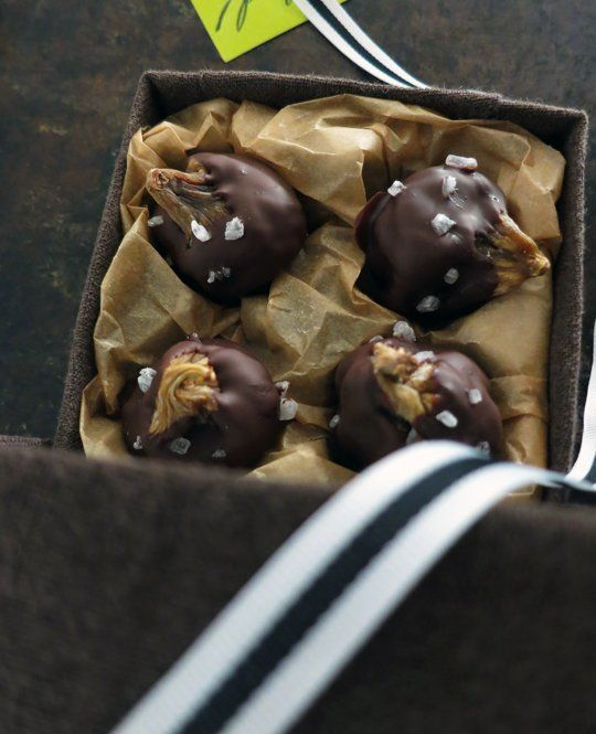 Homemade Gift Recipe: Chocolate-Dipped Figs with Sea Salt