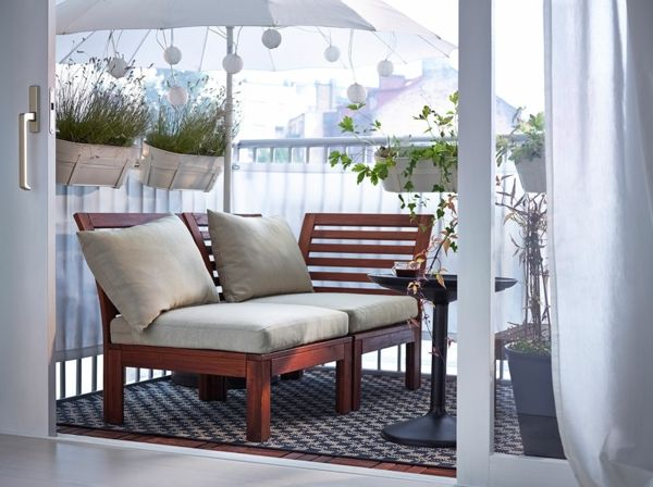Kleinen Balkon gestalten – Laden Sie den Sommer zu sich ein