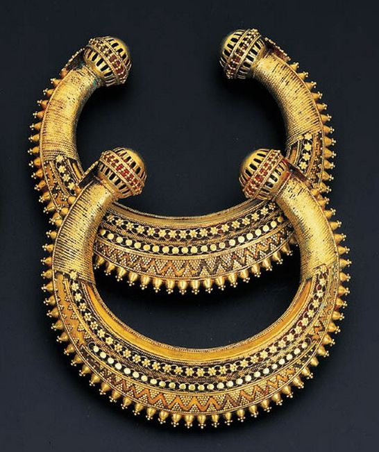 South India | Pair of 'kadas' bangles | ca. late 19th century | 2,300£ ~ sold Oct '99