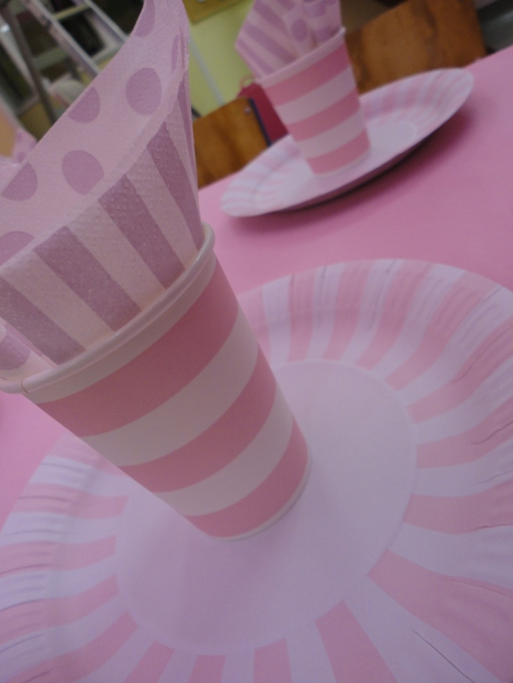 Paper cups and plates match the colour theme too. Hunt around and see what you can find. Matching colour napkins also can be snapped up at a good bargain