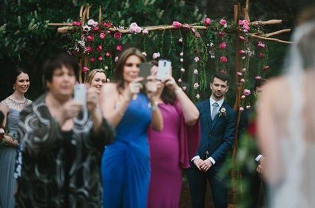 Prohibición de móviles en las #bodas - Contenido seleccionado con la ayuda de http://r4s.to/r4s
