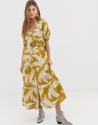 e25c4eecc42f Obsessed with this dress! Will be perfect for my upcoming trip to Lisbon 💛 ASOS  DESIGN button through maxi dress with buckle belt in palm print