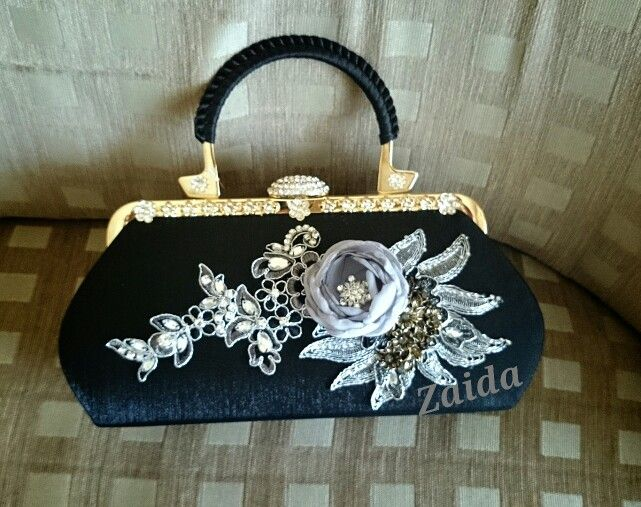 Black clutch with handle