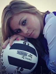 poses for senior pictures volleyball - Could put the year of graduation on the ball.....