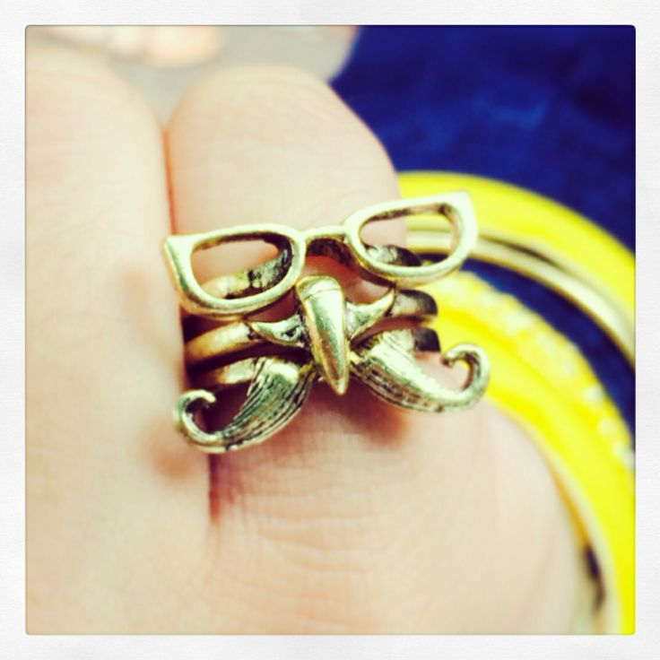 Cute mustache, nose and glasses ring set☺️