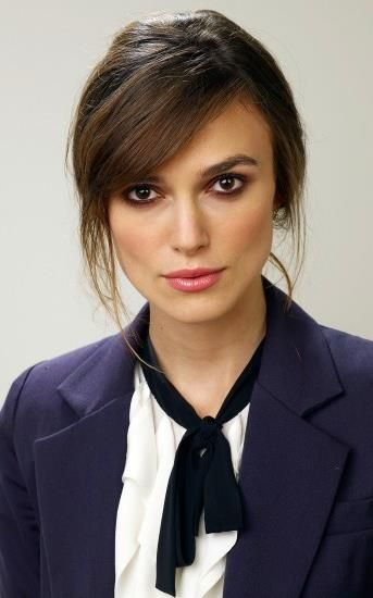 Keira Knightley ♥ I like her smokey eye style