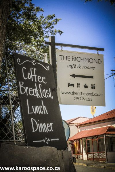 Stylish simplicity, comfort, generosity and great food at Richmond, off the N1 between Cape Town and Johannesburg.