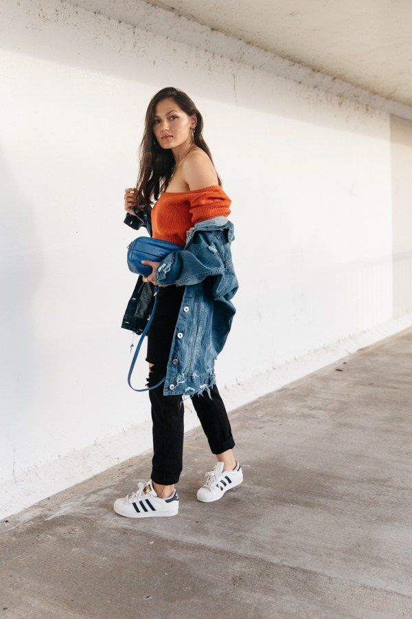 Orange Outfit With Denim Jacket And Black Mom Jeans Denim Jacket Outfit Orange Outfit Black Mom Jeans
