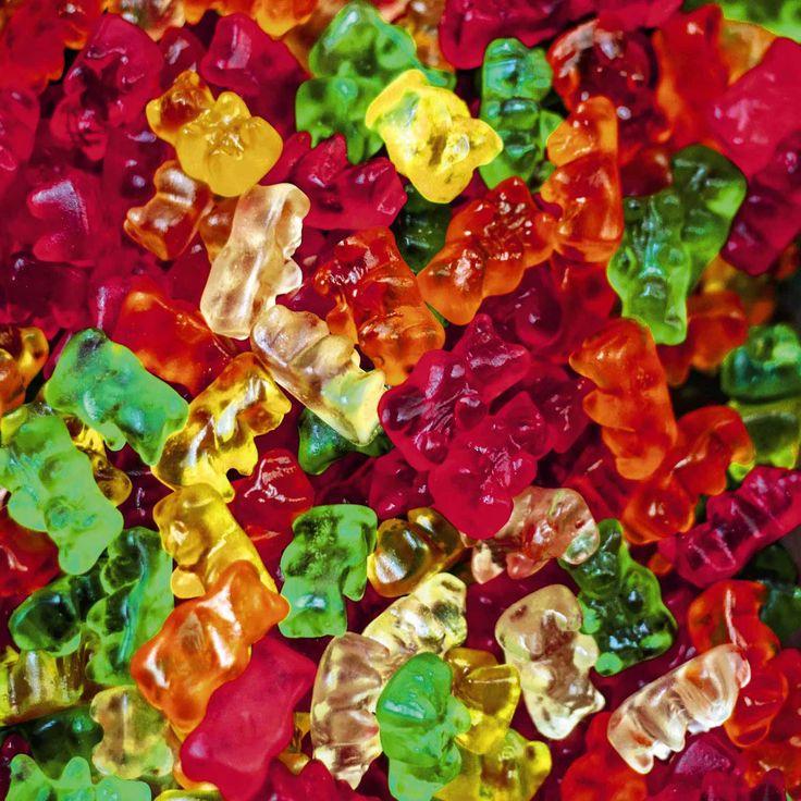 Nounours en gélatine. Bonbons colorés à volonté.