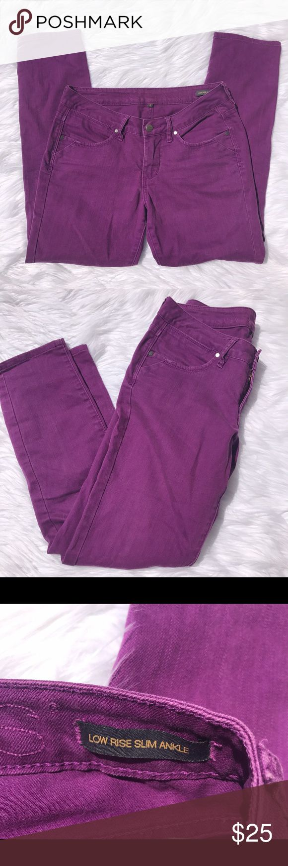 """JAG Jeans  Low Rise Slim Ankle Purple Jeans Sz 2 Jag Jeans  Low Rise Slim Ankle Purple Womens Jeans Size 2   Gently used, please see photos for details!  Waist laying flat -- 14"""" Inseam -- 27"""" Outseam -- 36.5"""" Jag Jeans Jeans Ankle & Cropped"""