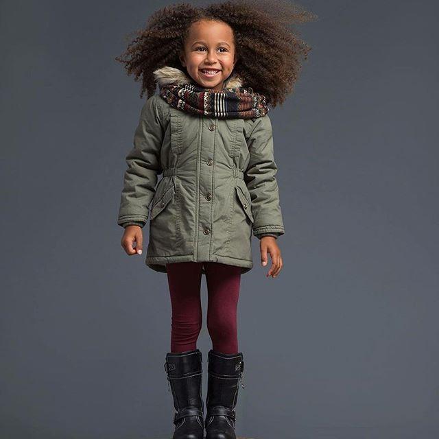 L'automne est bien là, les matins sont plus que frisquets!   Avec ce parka au look militaire, votre fille aura un style digne des plus grandes fashionistas. #mode #modechoc #kid #kids #kidz #fashion #fallfashion #fashionista #kidfashion #fashionkids #automne #girl #girls #girly #fille