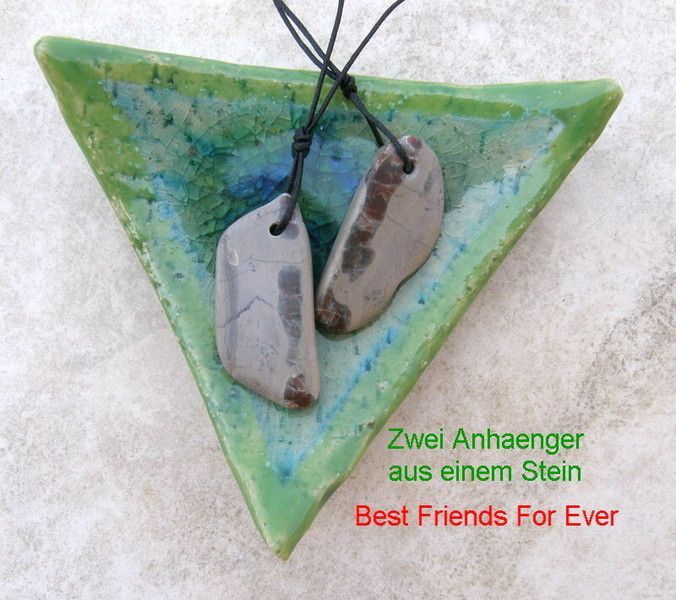 Best Friends For Ever Natursteinanhaenger aus einem Stein