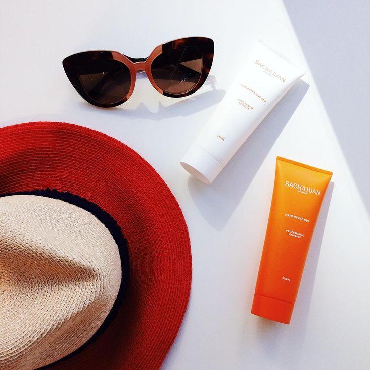 Летом защищать от солнца необходимо не только кожу, но и волосы! Солнцезащитные средства HAIR IN THE SUN от #Sachajuan содержат компоненты технологии «Морской шелк» и способствуют защите волос и их цвета от воздействия солнечных лучей. Средства содержат ультрафиолетовый фильтр, глубоко проникающий в структуру волос, способствуют восстановлению водного баланса волос, возвращению им блеска и сияния после воздействия солнечных лучей!  Летний must-have!  #cosmotheca