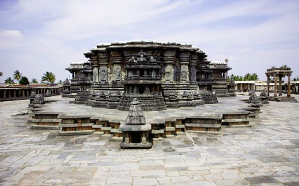 Hoysala architecture is the building style developed under the rule of the Hoysala Empire between the 11th and 14th centuries, in the region known today as Karnataka, a state of India. Hoysala influence was at its peak in the 13th century, when it dominated the Southern Deccan Plateau region.the Hoysaleswara Temple at Halebidu, and the Kesava Temple at Somanathapura.Study of the Hoysala architectural style has revealed a negligible Indo-Aryan influence while the impact of Southern Indian…