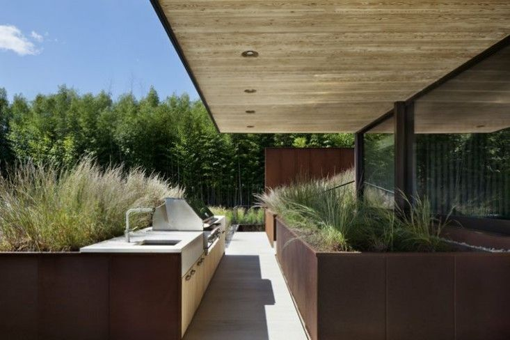 Bates Masai Outdoor Kitchen | Remodelista