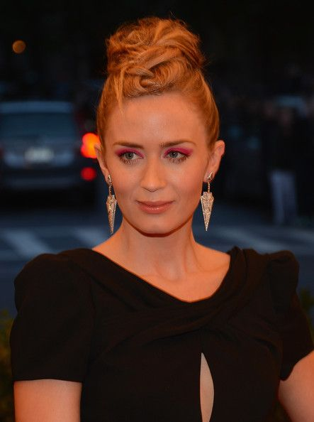 Emily Blunt's Edgy Updo