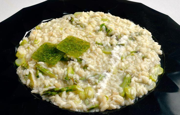 Risotto agli Asparagi e polvere di Yogurt, anche un semplice risotto può diventare un piatto unico se gustato a Palazzo di Varignana