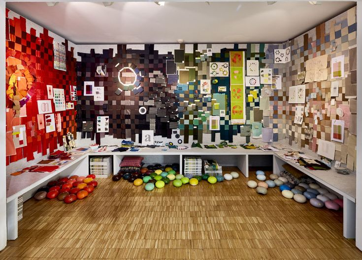 Casa Vitra 'Colour Machine' Hella Jongerius. material and colour library coming to live #vanTilburgnaarMilaan #milantextiles