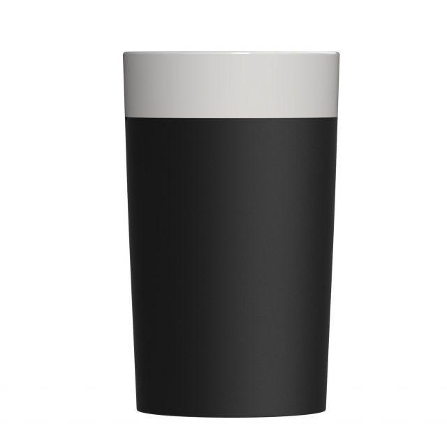 Refrigeratore per vino in ceramicaIl contenitore alto e snello si adatta perfettamente alle principali bottiglie di vino o altre bevande, e grazie alle sue forme dritte e al colore nero, darà alla vostra tavola un tocco di eleganza.Per ottenere l'effetto auto rinfrescante, basta immergere il contenitore per circa 2 minuti in acqua fredda prima dell'utilizzo, in modo che l'acqua venga assorbita attraverso i pori. Successivamente basta asciugare e utilizzare normalmente. Il contenuto verrà…