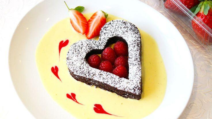 Brownie recipe in Norwegian - Saftige brownies - perfekt som dessert til Valentines Day - Godt.no - Finn noe godt å spise