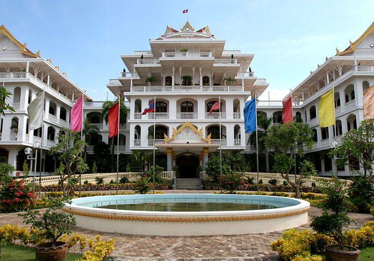 Exterior @ Champasak Palace Hotel : Pakse, Lao PDR