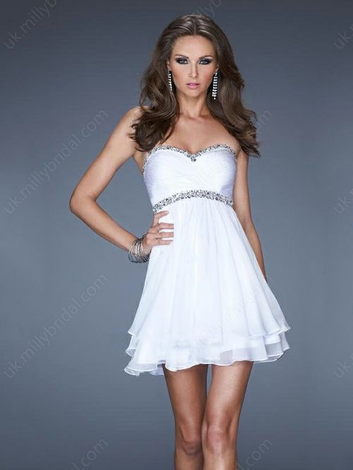 A-line Sweetheart Chiffon Short/Mini Beading Homecoming Dresses