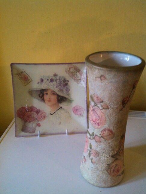 Decoupage tányér vázával A tányér megvásárolható, a váza már elkelt