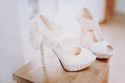 Где купить в питере белые свадебные туфли 33 или 34 размера
